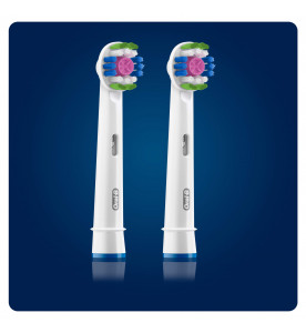 Oral-B 3D White Brush Head with CleanMaximiser, 2 Counts